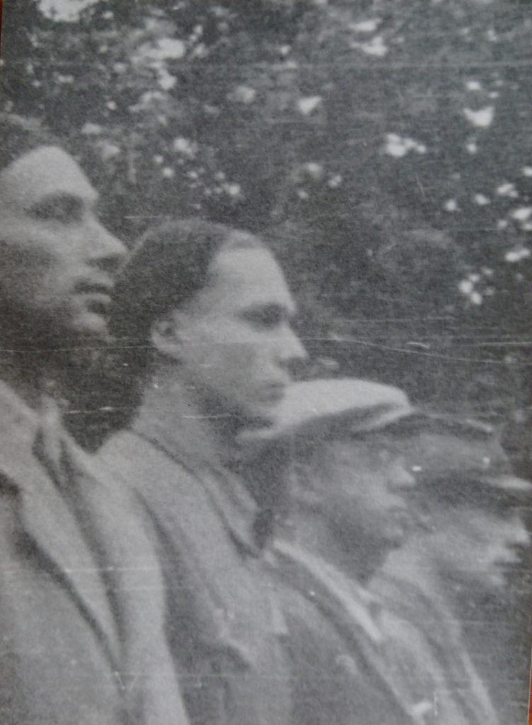 Oddział AK_ Włodzimierz Drecki drugi z lewej