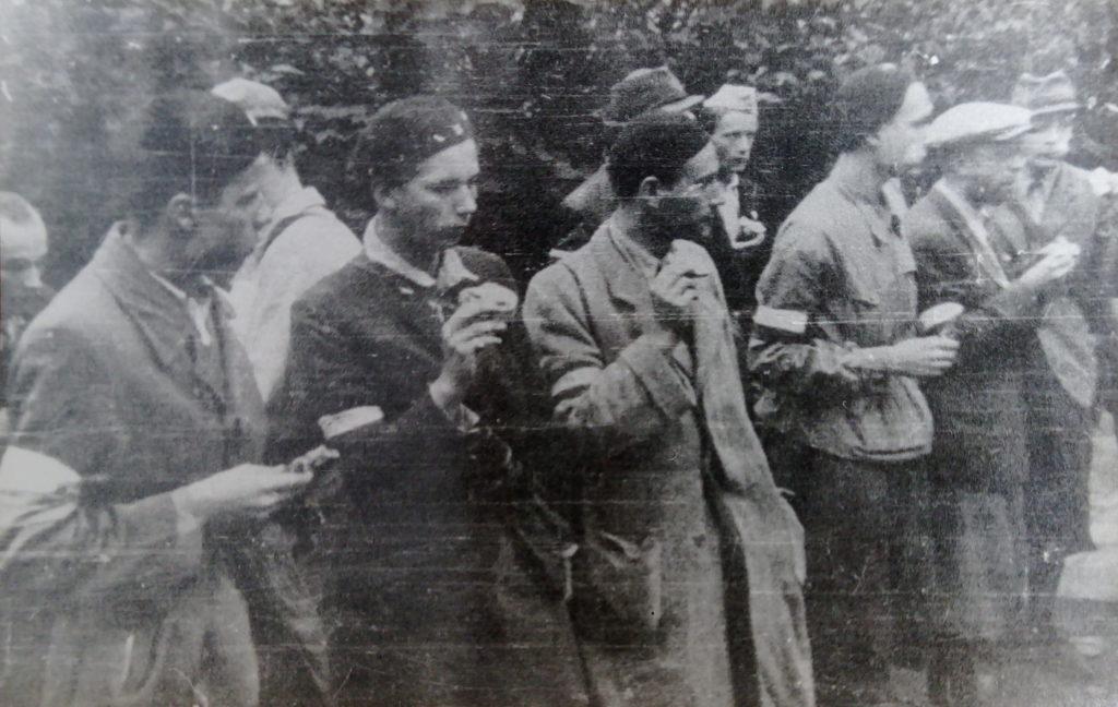 Oddział AK Włodzimierz Drecki - trzeci z prawej